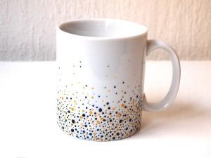 Mug-elevation-bleu-nuit-et-jaune-Estelle-Mademoiselle-Atelier